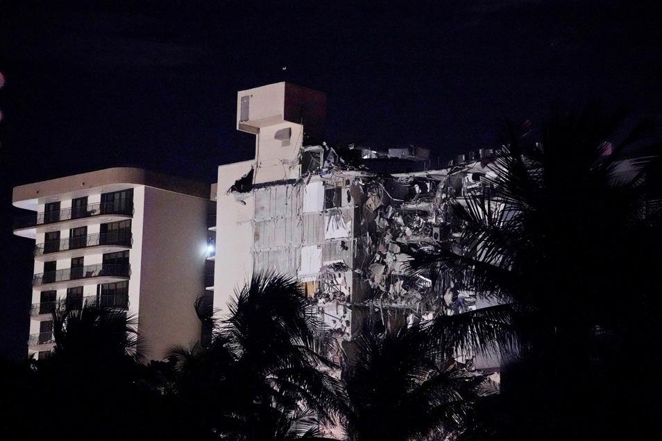 Bei dem Gebäude soll es sich um ein zwölfstöckiges Wohnhaus mit Meerblick nahe dem Strand handeln