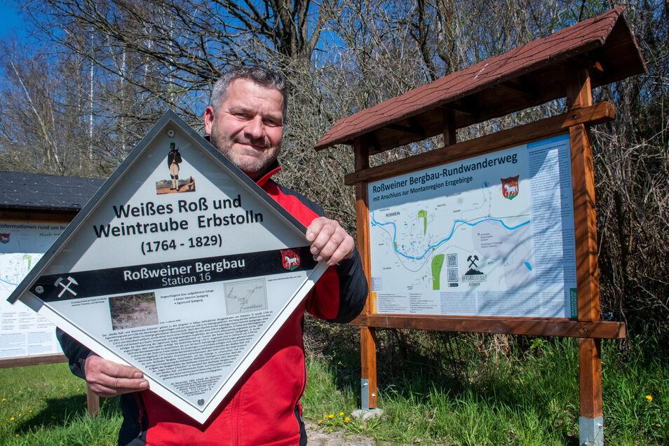 Wanderwegewart Jens Pigorsch und das Bauhofteam haben den neuen Bergbaulehrpfad in Roßwein ausgeschildert. Ab 1. Mai sind die beiden Rundwege freigegeben.