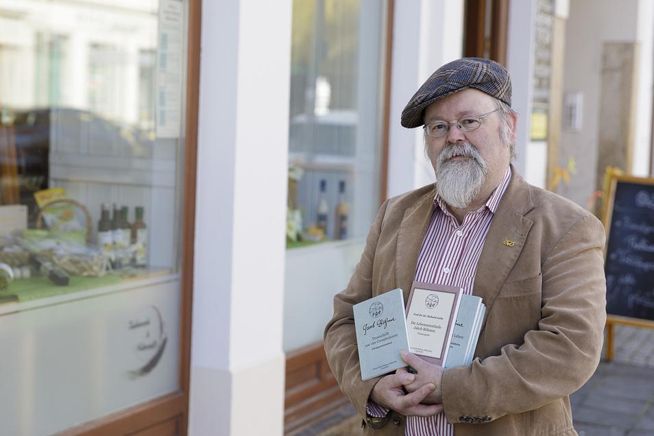 Der Görlitzer Verleger Michael Prochnow gibt eine kleine Jakob-Böhme-Bibliothek heraus. Die Bücher gibt es in Zeiten geschlossener Buchläden noch in zwei Görlitzer Geschäften.