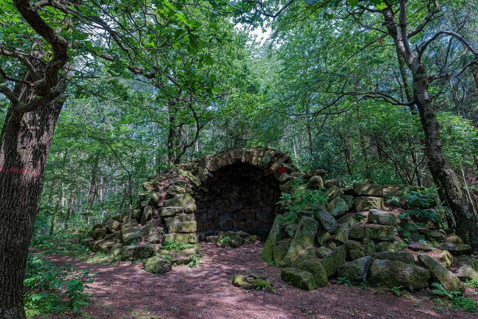 Die Ruine von Gersdorf ist eine der ältesten romantischen Ruinen in Sachsen, sie wurde schon vor 1800 errichtet.