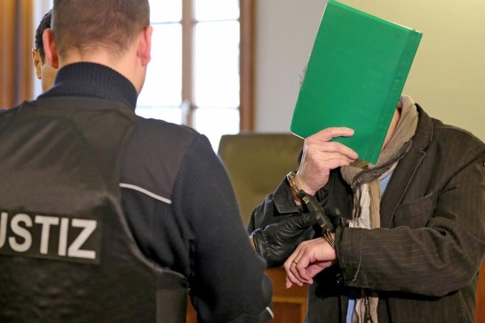 Der Prozess gegen Kreditvermittler Wilfried S. fand am Landgericht Leipzig statt. Dem 69-Jährigen aus Unna wird vorgeworfen, den Deal mit einem angeblichen israelischen Diamantenhändler eingefädelt zu haben.