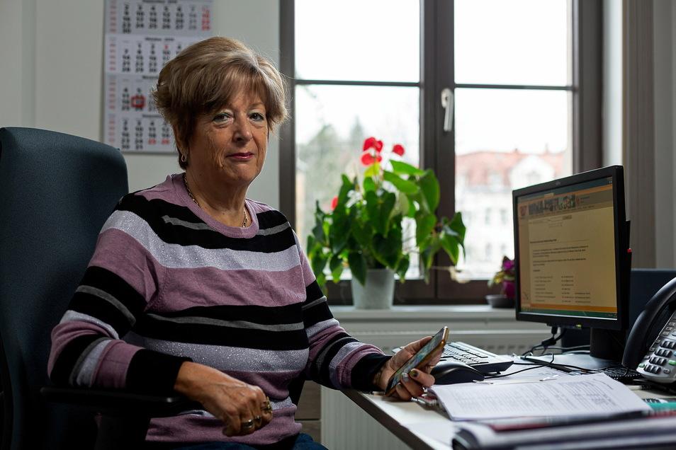 Heidrun Weigel ist Seniorenbeauftragte und kritisiert, dass das Anmeldeverfahren für die Corona-Schutzimpfung für Ältere schwer durchschaubar ist.