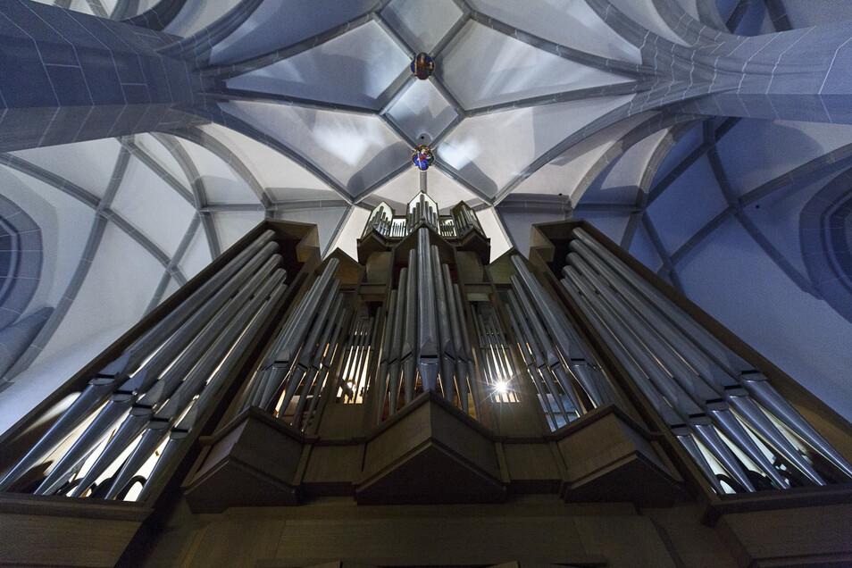 Blick auf die Orgel der Frauenkirche, in der die Veranstaltung stattfindet.