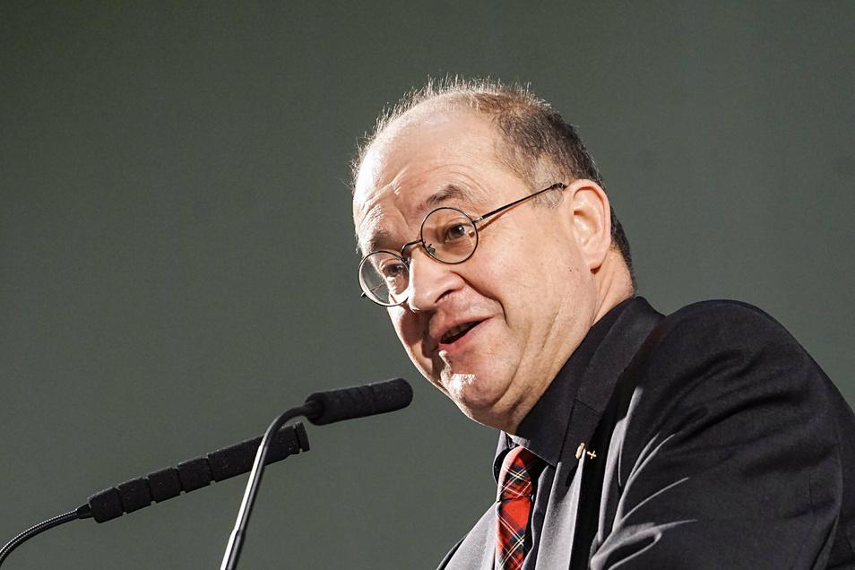 Arnold Vaatz hat zugesagt, beim Einheitsfestakt am 3. Oktober in Sachsens Landtag eine Rede zu halten.