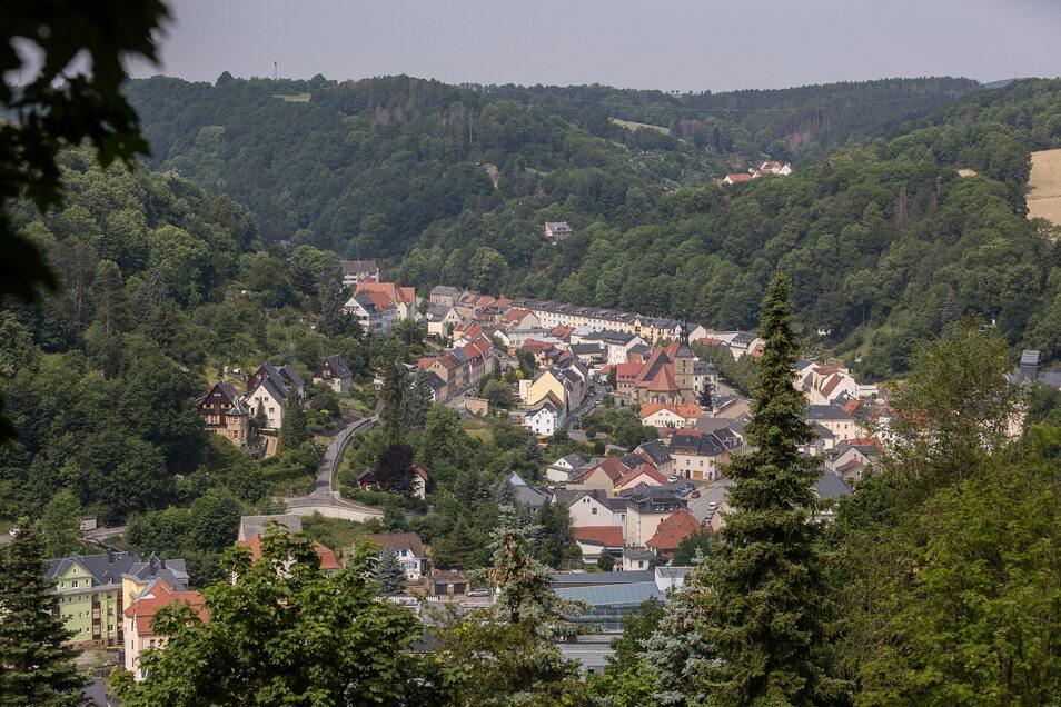 Glashütte liegt in zwei Tälern - hier ein Blick in das Prießnitztal. Die Enge macht die Flächennutzung in der Kernstadt kompliziert.