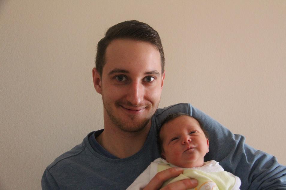 Marie Geboren am 16. Februar Geburtsort Bautzen Gewicht 3.710 Gramm Größe 51 Zentimeter Eltern Laura und Felix Förster Wohnort Wilthen