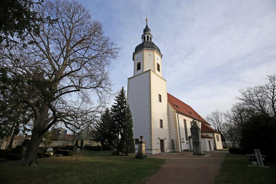 Die Kirche in Gröba gehört zur Kirchgemeinde Riesa – die derzeit alle Treffen abgesagt hat.