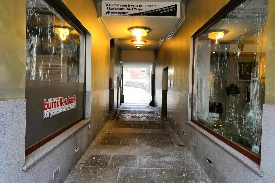 In der Theater-Passage hatten Unbekannte in der Silvesternacht randaliert.