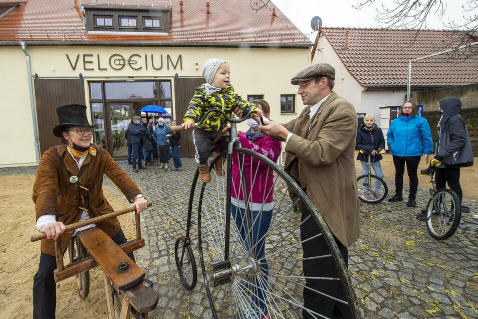 Am Sonnabend wurde in Weinböhla die Sächsische Fahrraderlebniswelt Velocium eröffnet.