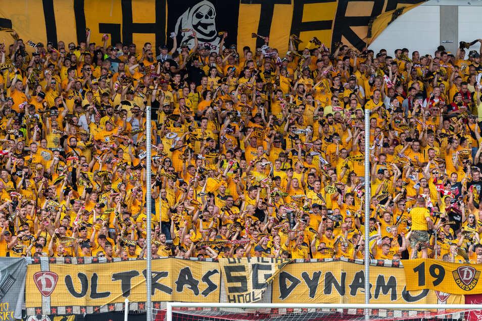 Wie in der ersten Pokalrunde in Zwickau gegen den Oberligisten Dassendorf wird auch am Mittwoch der Gäste-Fanblock komplett in Gelb erscheinen.
