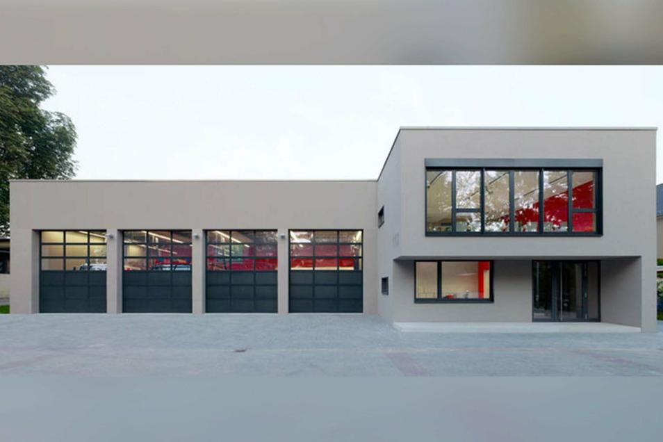 """So soll die Frontansicht des neuen Feuerwehrdepots im Gewerbegebiet """"Am Spitzberg"""" in Oderwitz aussehen. Allerdings bekommt das Depot fünf Tore und nicht vier, wie auf dem Foto abgebildet."""