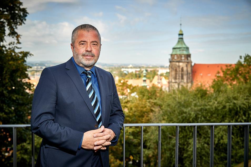 Michael Geisler ist seit 1994 Landrat in Pirna. Wenn er im Juni 2022 wiedergewählt wird, wird er Sachsens dienstältester Landrat sein.
