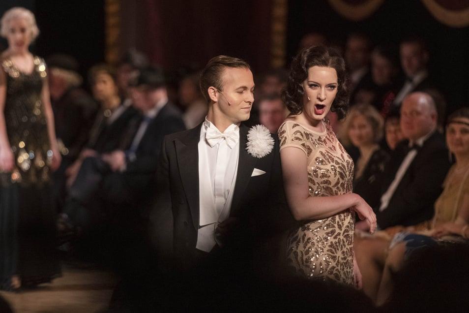 """""""Fräulein, bitte wollen Sie Shimmy tanzen?"""" Dieser Frage gehen Anna Schaumlöffel und Edward Lee beim Bühnenball der Landesbühnen am Sonnabend nach. Die Vorlage dazu stammt von Operettenkönig Emmerich Kálmán."""