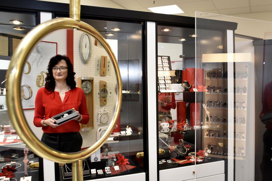 Konstanze Rostock hat im Center ihr Uhren- und Schmuckgeschäft eröffnet. Während der Umbauphase hatte sie an die Hauptstraße gezogen.