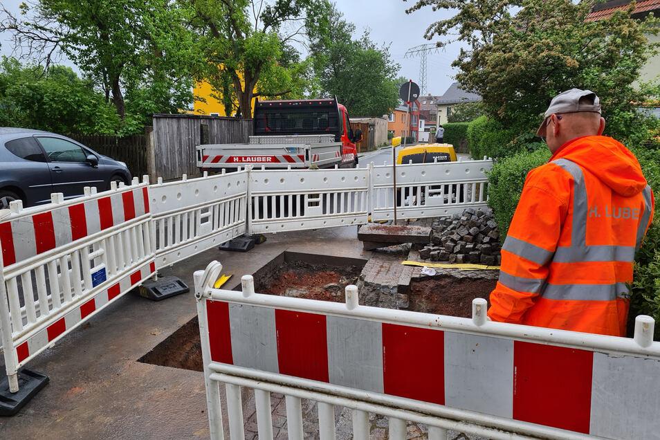 Seit Montagvormittag ist die Uferstraße in West gesperrt.
