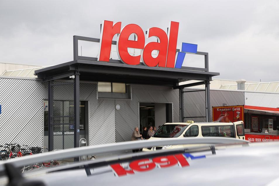 Frühestens im Februar 2020 wird entschieden, was mit dem Real-Markt in Riesa geschieht.