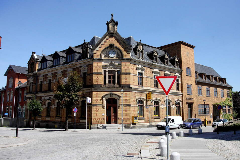 Die Kamenzer Postbankfiliale befindet sich in der ehemaligen Hauptpost, die für Kamenzer immer noch Hauptanlaufstelle in Sachen Postservice ist. Doch zurzeit gibt es dort ein Problem.
