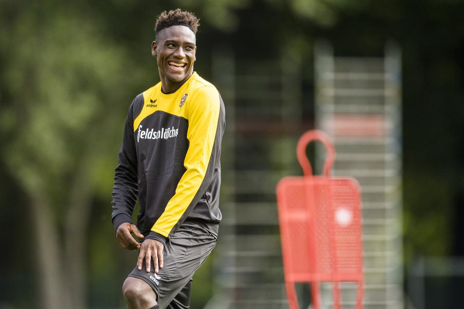 Peniel Mlapa ist eigentlich eine Frohnatur, aber bei Dynamo verging dem Stürmer aus Togo allzu schnell das Lachen.