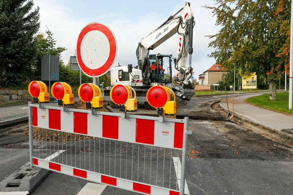 Die Bauarbeiten am Kreisverkehr in Olbersdorf und an der Ortsverbindung nach Jonsdorf dauern länger als ursprünglich geplant.