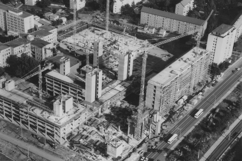 In den 90er-Jahren war an der Freiberger Straße die größte Baustelle der Stadt zu bestaunen.