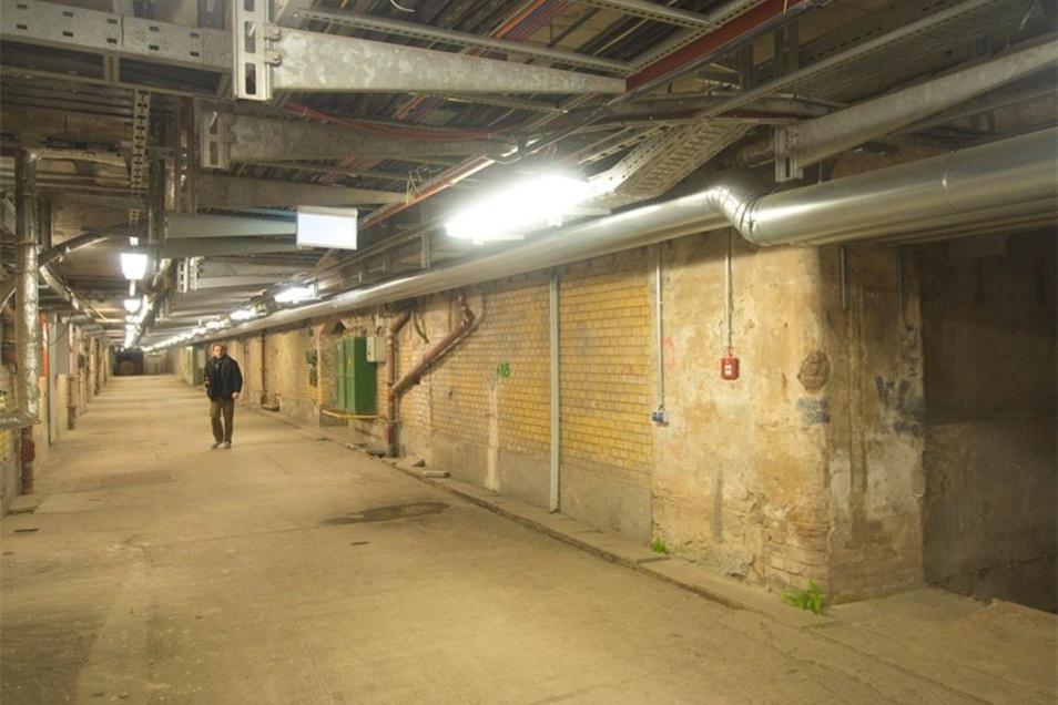 Durch den alten Posttunnel wurden Briefe und Pakete zu den Bahnsteigen transportiert.