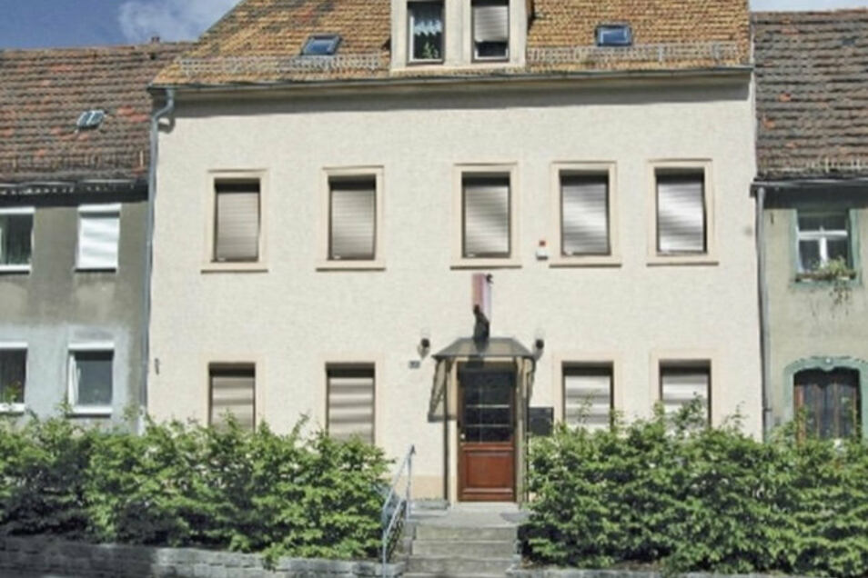 Nach einem Familienstreit ereignete sich in diesem Haus auf der Franz-Schubert-Allee ein tödliches Drama. Der Hauseigentümer wurde von der Polizei erschossen.