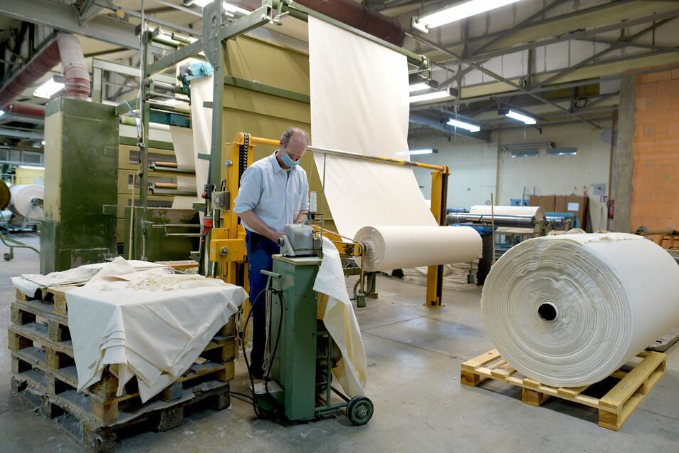 Die Aufgaben der ausgefallenen tschechischen Mitarbeiter müssen nun andere Beschäftigte wie Rene Lindhardt übernehmen.