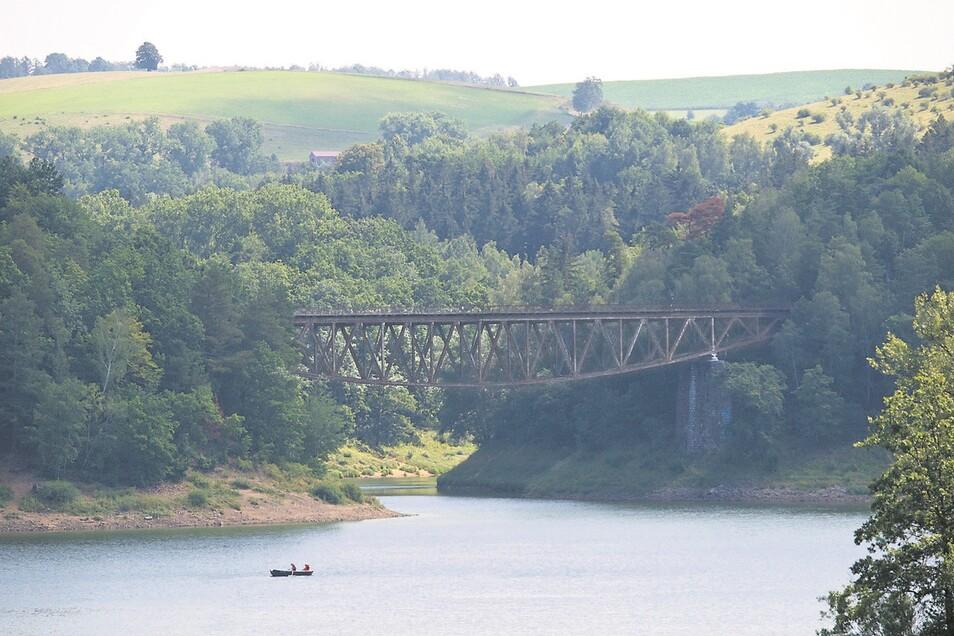 """Diese Brücke wurde vor über 100 Jahren in Niederschlesien gebaut. Nun soll sie für eine Fortsetzung der Filmreihe """"Mission: impossible"""" (""""Unmögliche Mission"""") gesprengt werden. Viele Polen finden das wirklich unmöglich."""