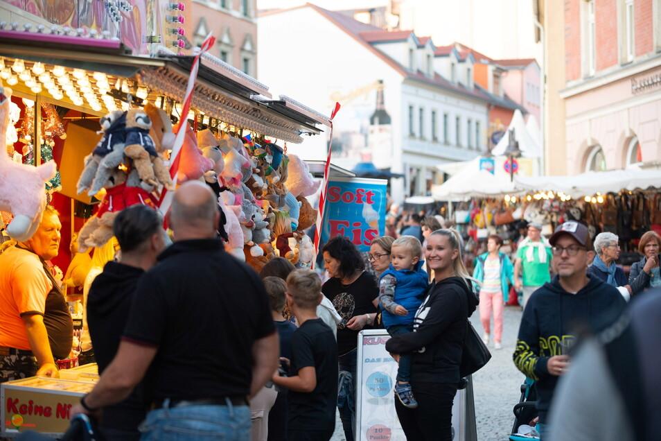 Die Flaniermeile auf der Hauptstraße war besonders an den Abenden gut gefüllt.