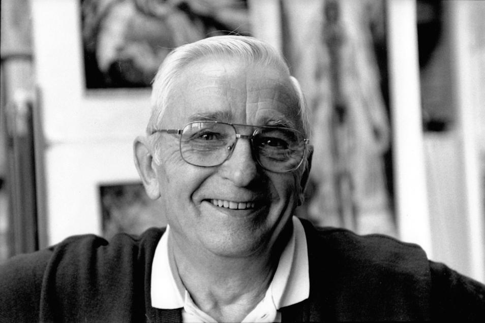 Gottfried Bammes 1995 in seinem Atelier in Freital-Potschappel.