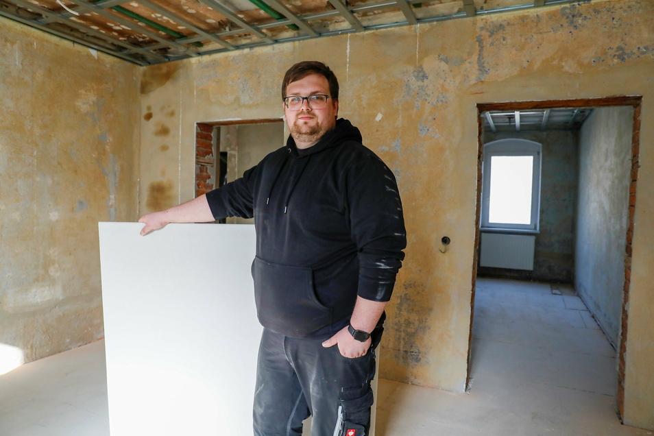 Volker Bräuer hat in seinem 130 Jahre alten Haus in der Äußeren Bautzner Straße noch viel Arbeit vor sich.