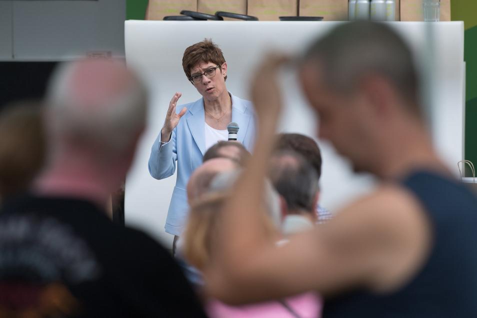 Annegret Kramp-Karrenbauer während einer Wahlkampfveranstaltung ihrer Partei in Weißwasser am Sonnabend.