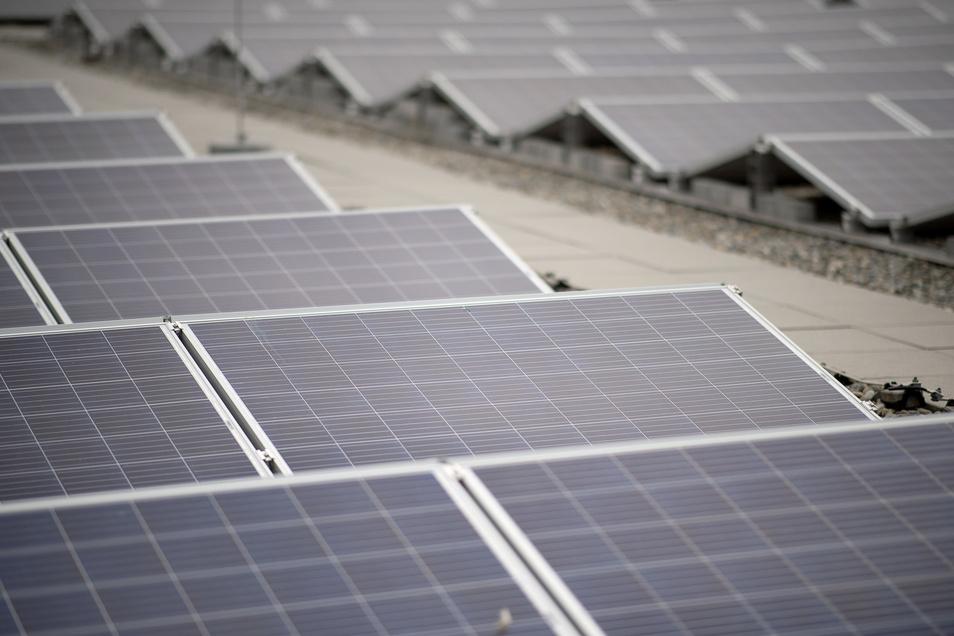 Photovoltaikanlagen erzeugen Strom und schützen das Klima.