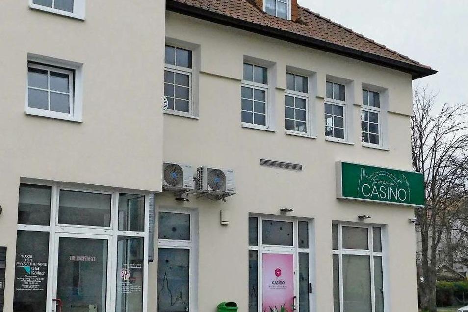 Das Casino nahe dem Grenzübergang in Bad Muskau soll erweitert werden. Einen entsprechenden Antrag lehnte der Technische Ausschuss jetzt ab.