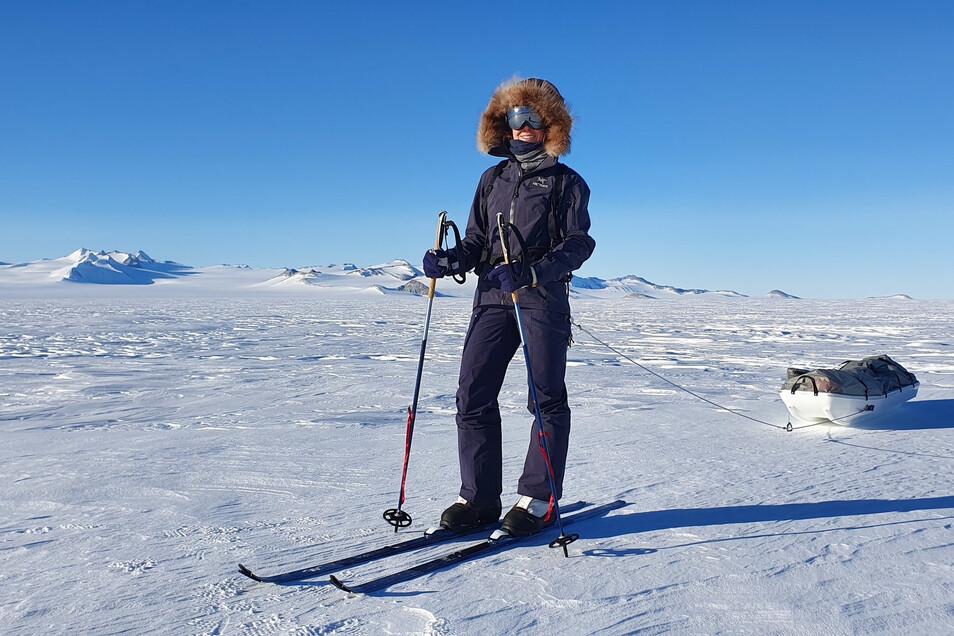 Die 29-jährige deutsche Extremsportlerin Anja Blacha bei einem Vorbereitungslauf in der Antarktis.