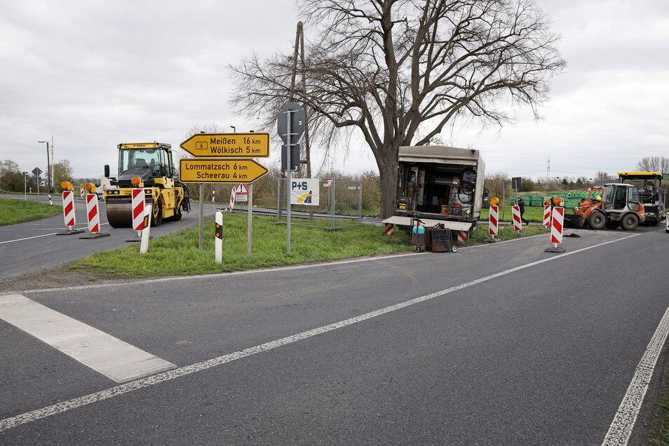 An dieser Kreuzung am Bahnhof Prausitz, wo die B6 und die S 85 sich kreuzen, ereignen sich immer wieder schwere Unfälle. Jetzt wird die Kreuzung umgebaut.