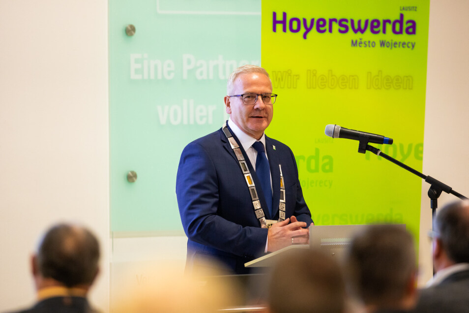 Torsten Ruban-Zeh am Montagabend nach seiner Vereidigung zum Oberbürgermeister der großen Kreisstadt Hoyerswerda.