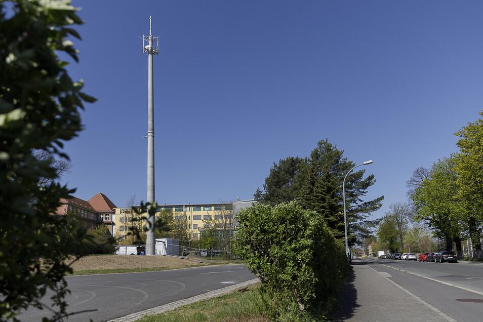Ein neuer Funkmast steht jetzt an der Sattigstraße in Görlitz.