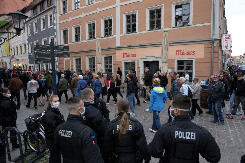 Unerlaubte Demo am 13. Mai in der Pirnaer Innenstadt. Danach leitete die Polizei acht Strafverfahren ein.