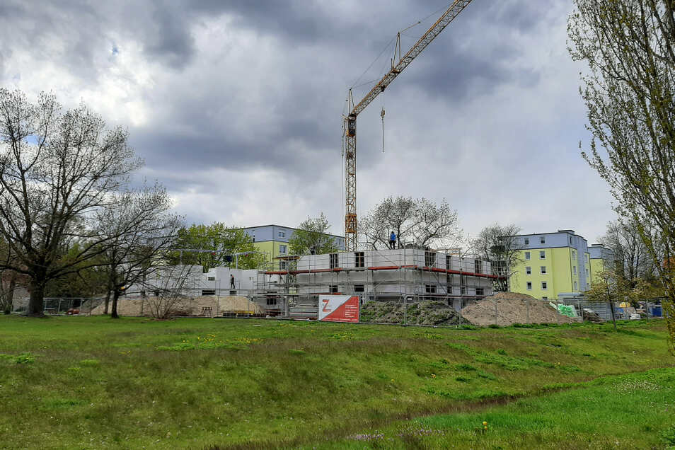 Häuser entstehen am Elsterbogen.