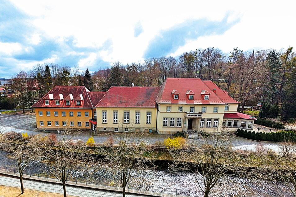 """Denkmalg. Hotel """"Sächsisches Haus"""" in Bad Gottleuba-Berggießhübel / Mindestgebot 449.000 Euro"""