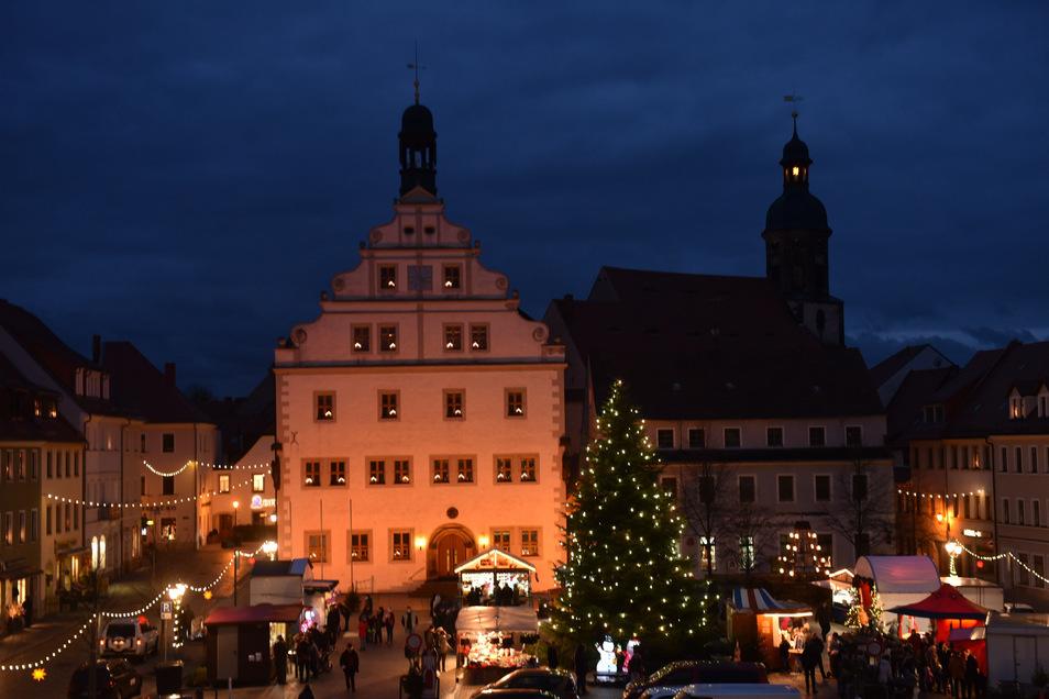 Idyllisch zeigt sich der Weihnachtsmarkt in Dipps, aber wer organisiert die Veranstaltung?