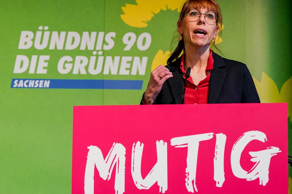 Justizministerin Katja Meier bei einer Rede in Annaberg
