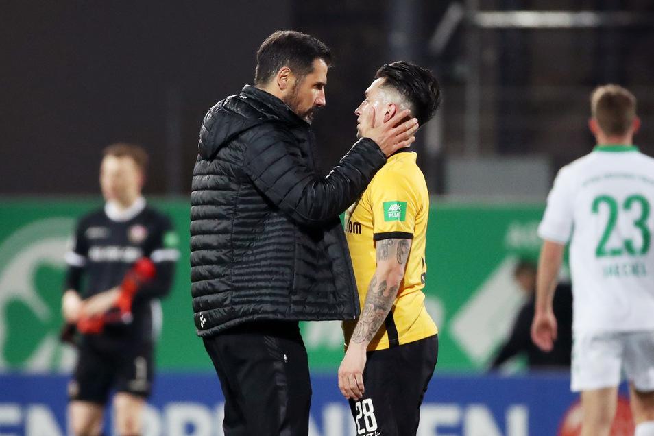 Was Cristian Fiel den Spielern sagt, bleibt intern. Man darf aber sicher davon ausgehen, dass Baris Atik und Kollegen deutliche Worte zu hören bekamen.