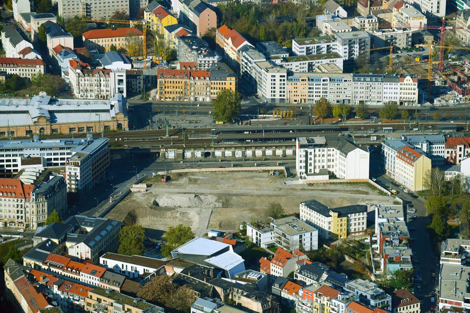 Fast 1,8 Hektar misst das Areal am Bahnhof Mitte in Dresden, an dem der Immobilienkonzern Deutsche Wohnen das Quartier Schützengarten bauen will.