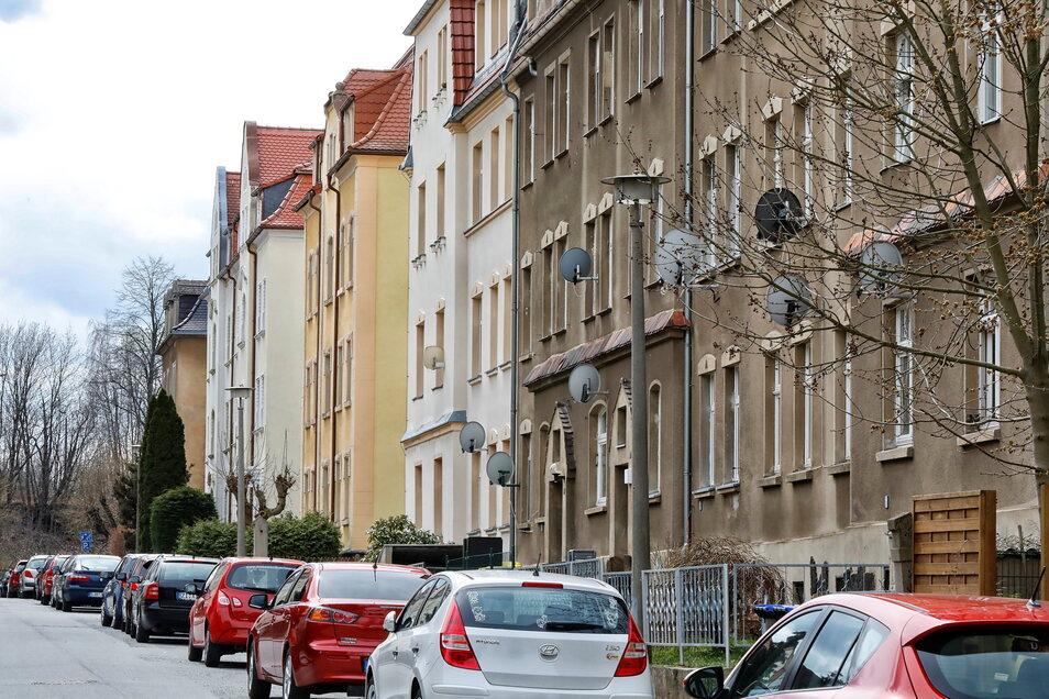 Noch glänzt nicht jede Fassade, aber vieles ist - wie hier in der Robert-Berndt-Straße - bereits saniert.