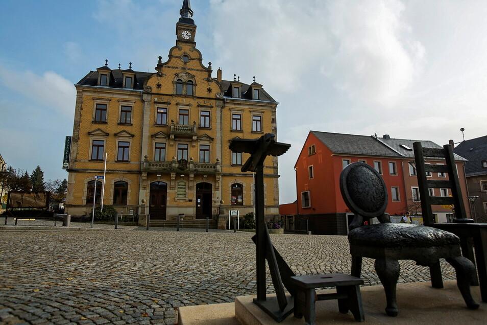 Ab sofort können Bürger und Besucher von Rabenau am Marktplatz kostenfrei WLAN nutzen.