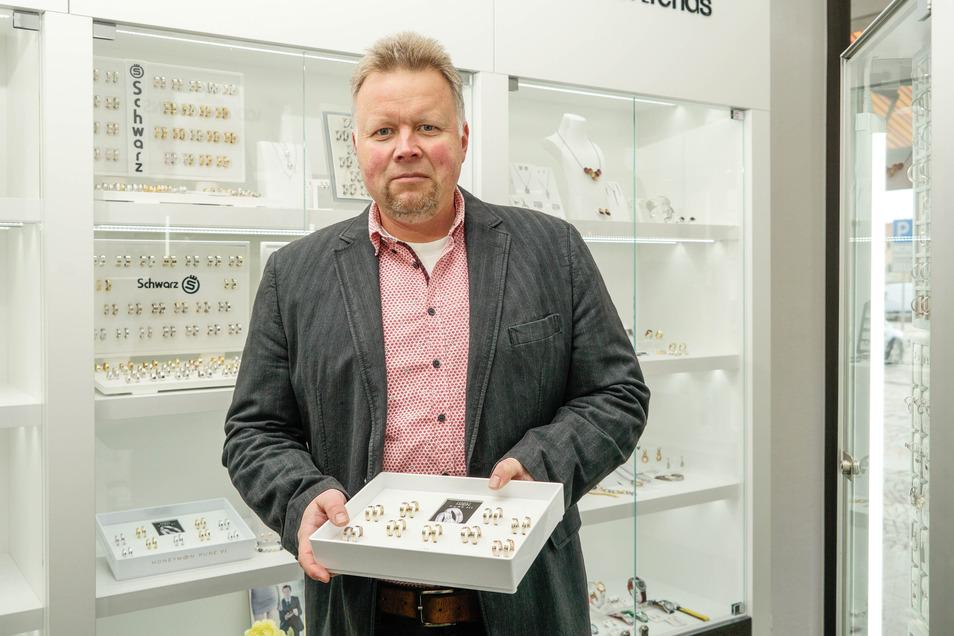 Goldschmied Axel Bauer führt das im Jahr 1876 gegründete Geschäft in fünfter Generation.