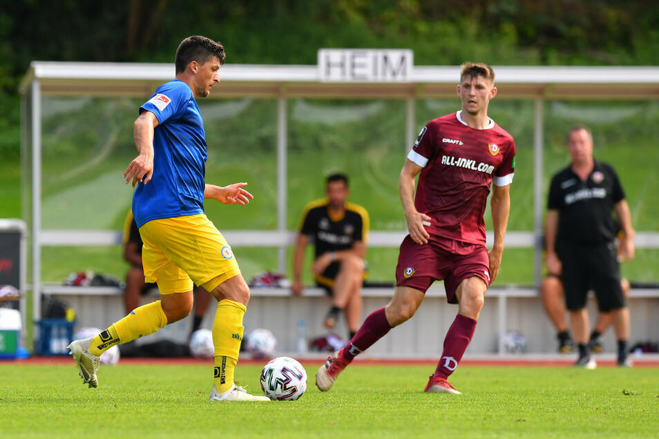 Jannis Nikolaou (l.) spielte vergangene Saison für Dynamo und jetzt für Braunschweig. Bei Robin Becker ist es genau umgedreht.
