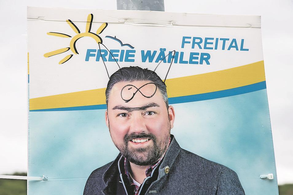 Keine große Kunst: Immer wieder werden Wahlplakate in Freital beschmiert. Kandidat Alexander Frenzel hat nun eine Idee.